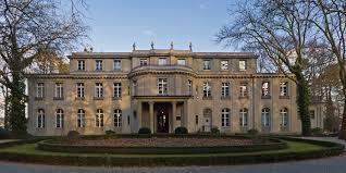 Insegnare il '900. Memoria, testimonianze, documenti nello studio della storia contemporanea. 7 – 11 dicembre 2016 Berlino