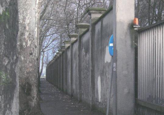 La mura delle Reggiane