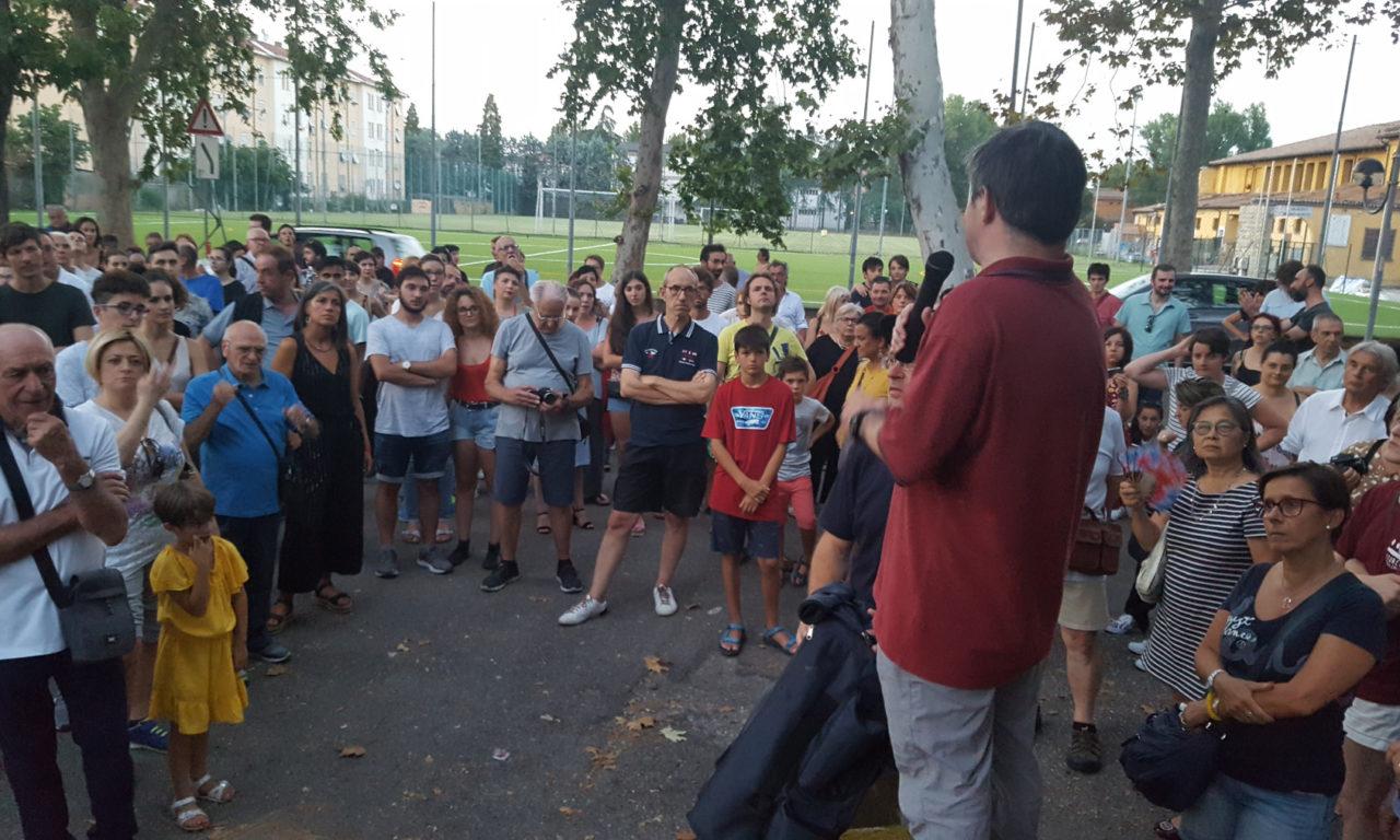 Oltre 300 persone alla visita alle Reggiane prima del concerto de Lo Stato Sociale